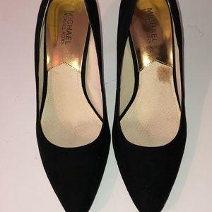Women's black high heel shoe